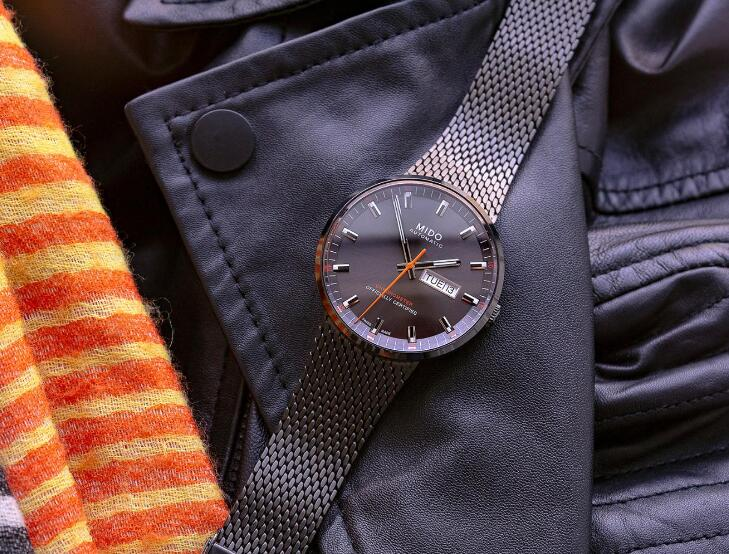 The Milanese mesh strap is very comfortable.