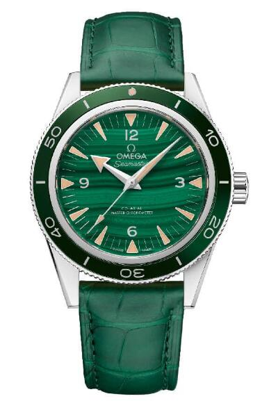 Swiss imitation watches online are stunning with green color.